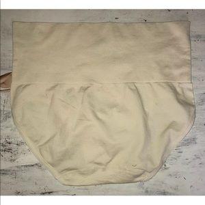 Jockey Intimates & Sleepwear - Jockey • Waist Slimmer Brief • Sz M • Ivory • NWT